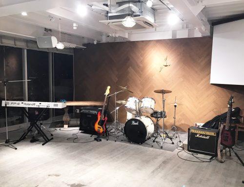鎌倉材木座にあるGREENROOM BEACH CLUBに、バンド機材レンタル&オペレートをさせていただきました。