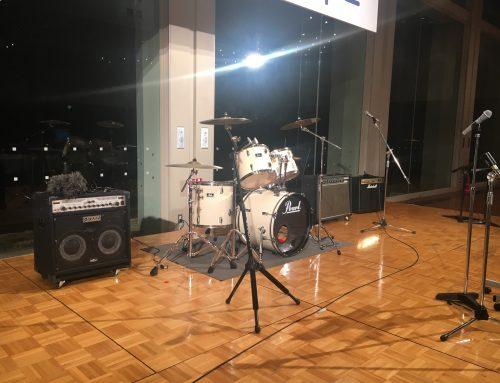 鎌倉プリンスホテルバンケットホールにドラムやギターアンプ、ベースアンプをレンタルさせて頂きました。